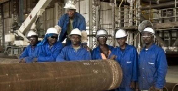 Soudeurs sur notre chantier de fabrication au Nigeria