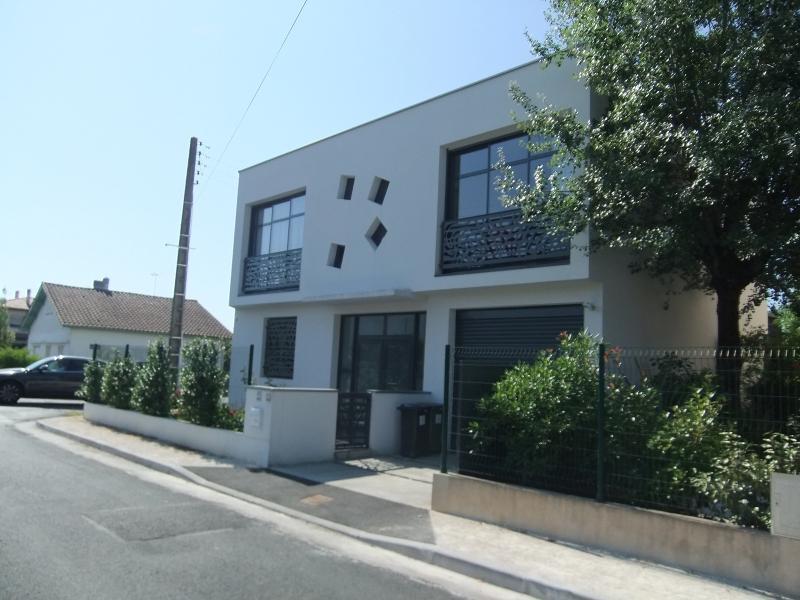 Construction de maison près de Bordeaux, façade principale