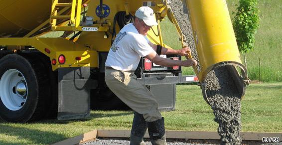 Matériaux de construction - Béton prêt à l'emploi camion toupie