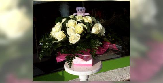 Bouquet roses blanches - Acacia Fleurs - Fleuriste Cannes