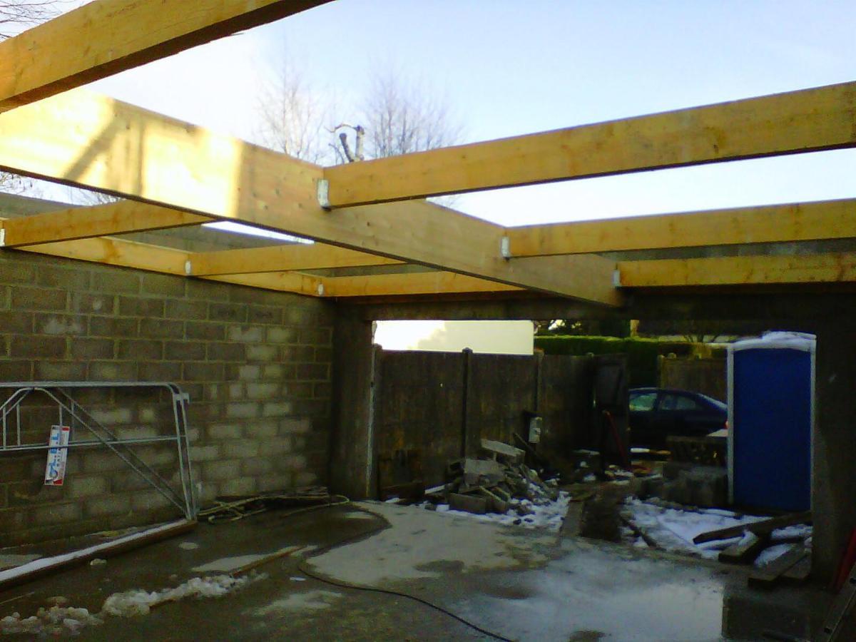 Réalisation d'un garage en charpente traditionnelle.
