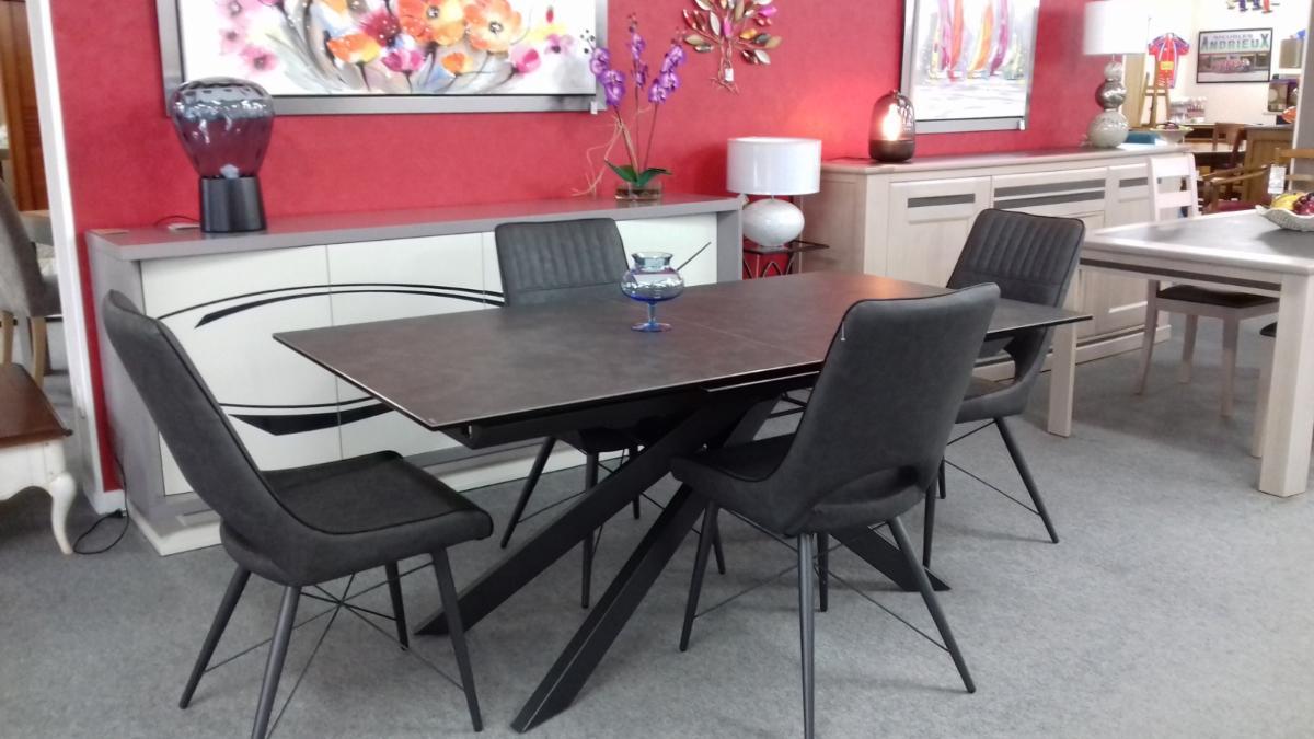 TABLE  dessus  ceramique