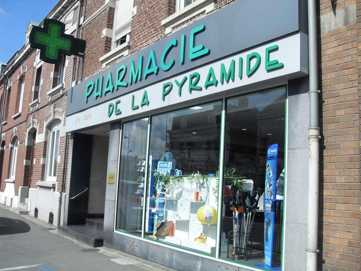 Accueil souriant dans la Pharmacie de la Pyramide à Valenciennes