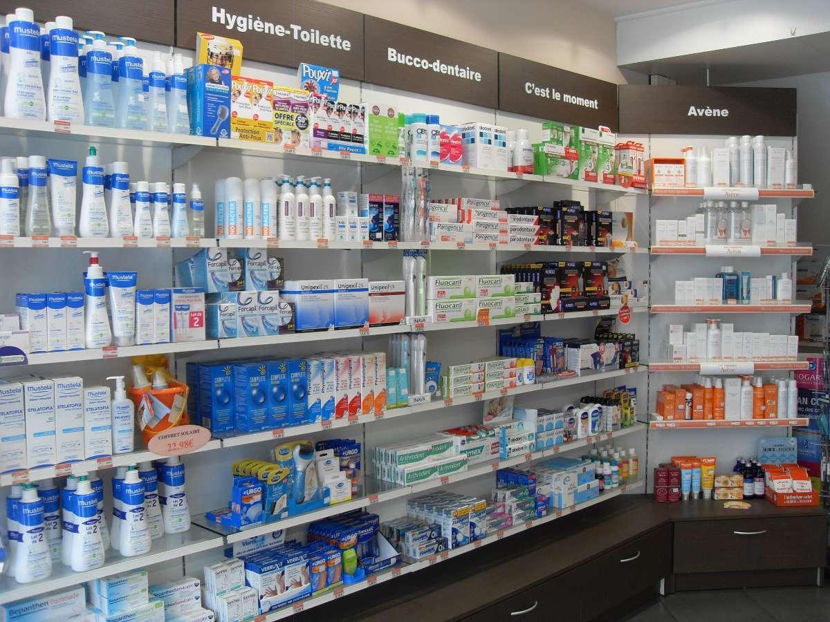 Un grand choix de produits pour tous à la Pharmacie de la Pyramide