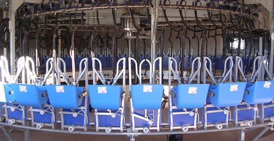 Manhaval Fabre à Rodez, matériel agricole, de traite et d'élevage