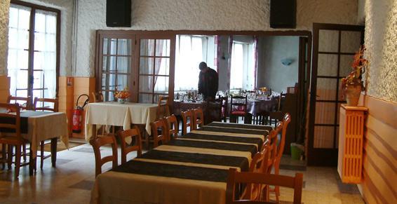Hôtel Restaurant Rival à Usson-en-Forez - Hôtels