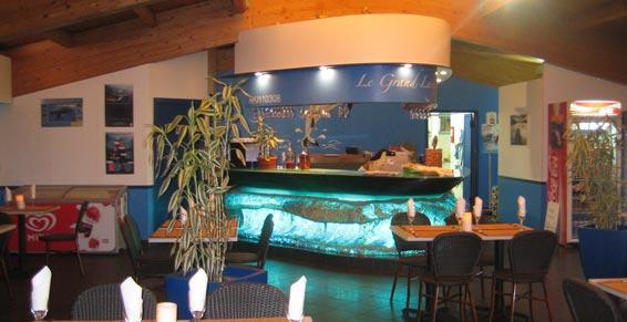 Restaurant avec bar et terrasse à Saint-Gilles les Bains