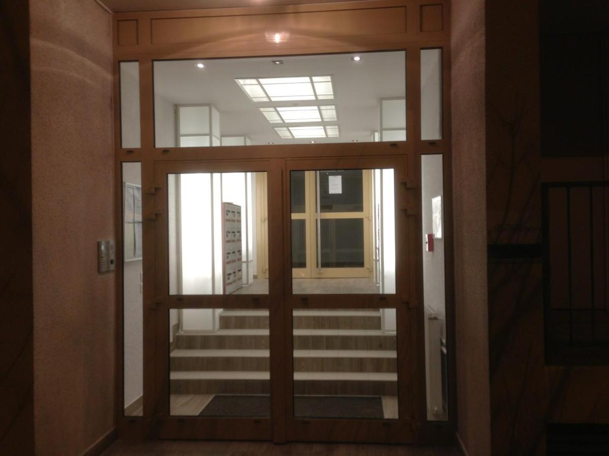 Mise en valeur de hall d'entrée colonne lumineuse, puits de lumière