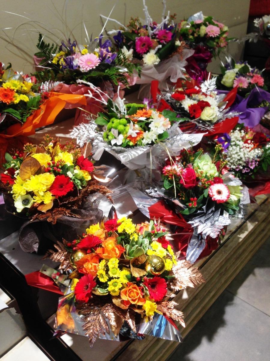 Fleurs pour Noël magasin Lola Fleurs Alès