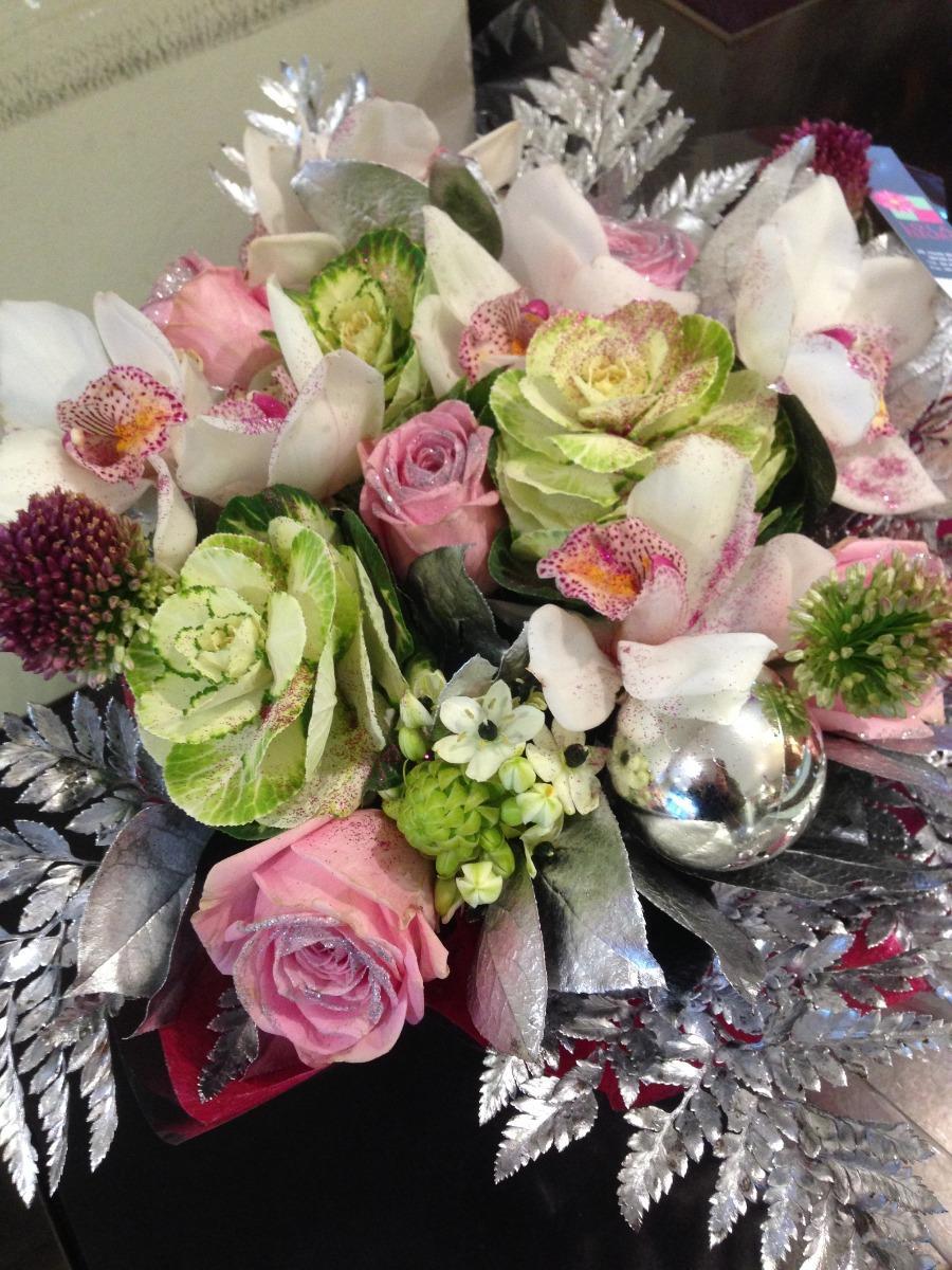 Livraison de bouquets de fleurs pour Noël dans le Gard Lola Fleurs Ale