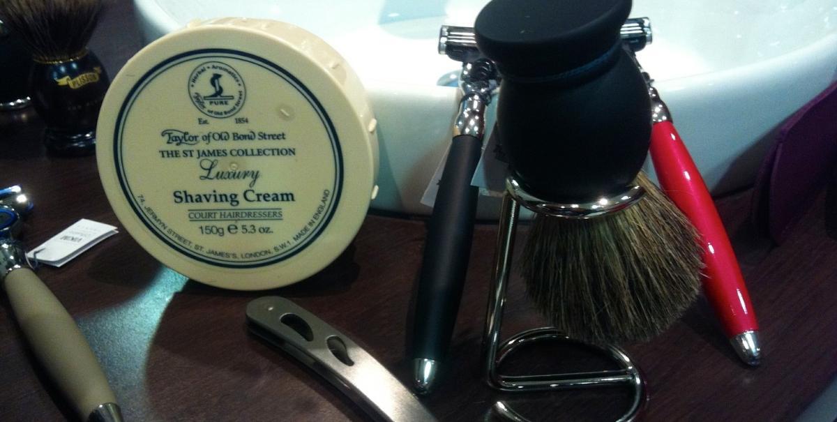 creme de rasage ,soins pour la barbe,rasoir a lame /sur commande/
