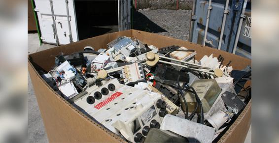 """Inter"""" Val prépare en vue de la réutilisation les déchets industriels"""