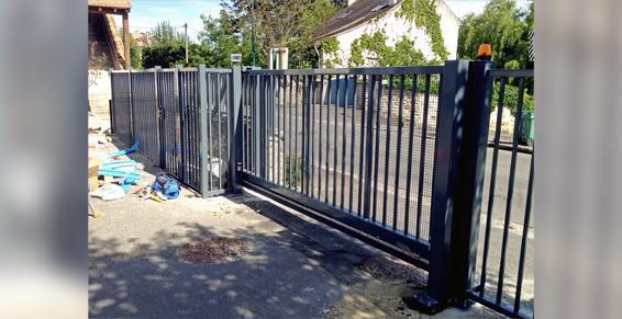 Porte de garage automatique - Portes automatiques