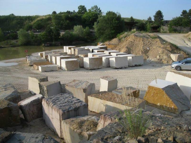 Carrière d'exploitation de pierres MDB à Magny-lès-Villers (21) près de Dijon