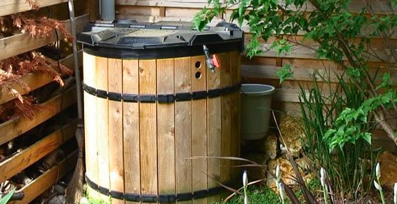 Récupération eau de pluis - récupérateur bois