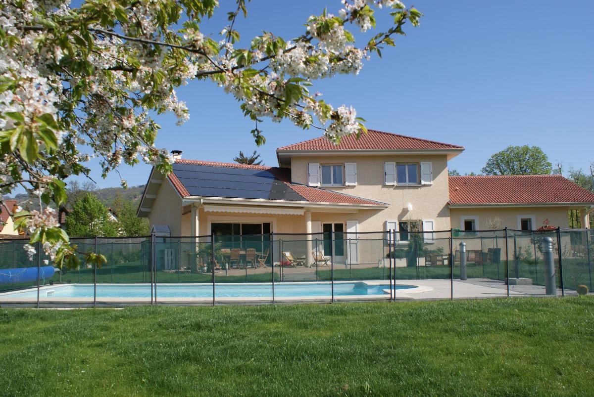 Installation de panneaux photovoltaïques par MG Solar