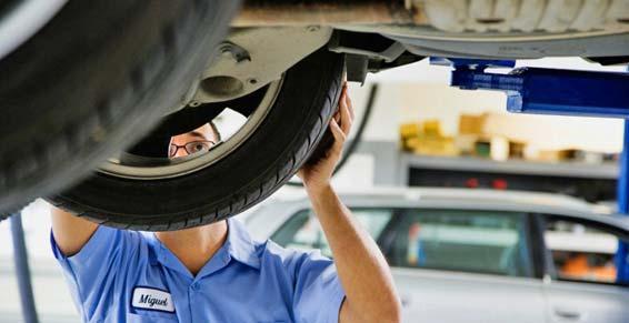 Centre du pneu d'occasion - changement des pneus