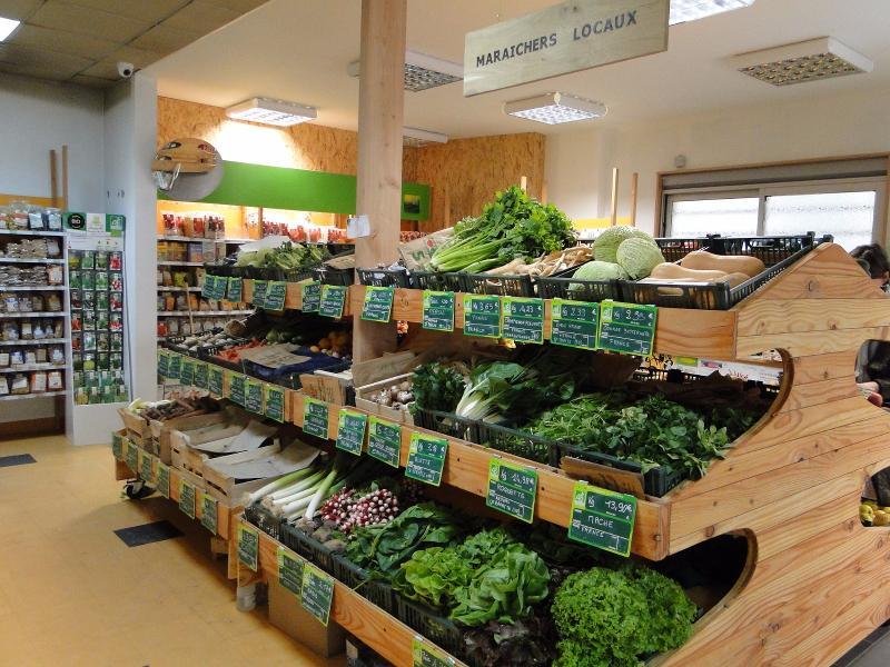 Un  large choix de fruits et légumes bio