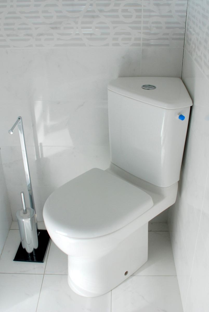 wc dans  angle installé par APJ
