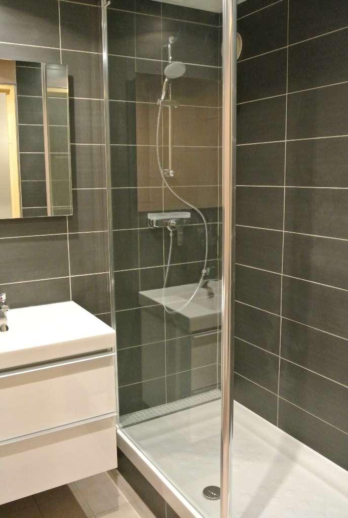 Rénovation complète (carrelage murs, receveur, ensemble douche, paroi) - APF Plomberie Chauffage à Chartres en Eure-et-Loir (28)