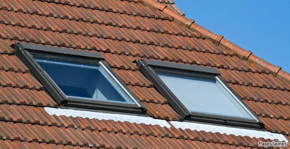 Fenêtre de toit, velux, volets roulants solaires à Nantes