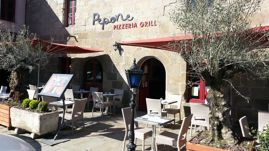 Terrasse Pizzéria Pepone Combourg