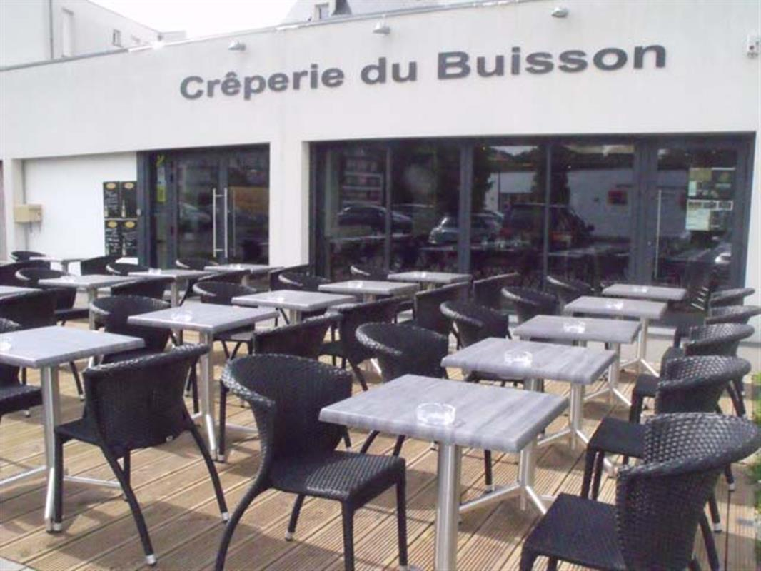 Notre terrasse - Crêperie du Buisson à Bruz (35)