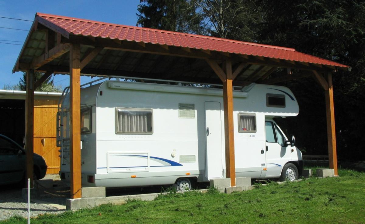 Le compagnon protège le camping-car