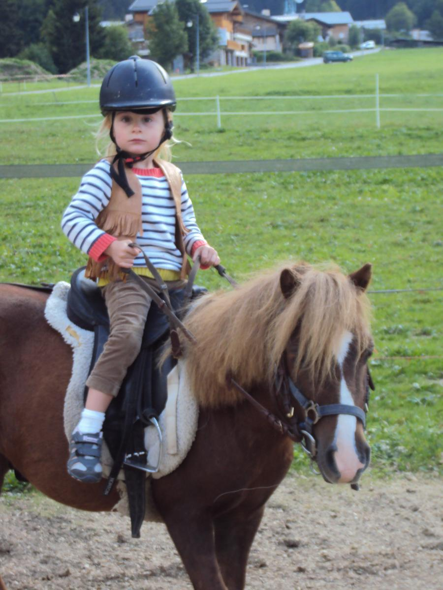 Baby Poney Le Ranch de L'Ancolie en Savoie (73