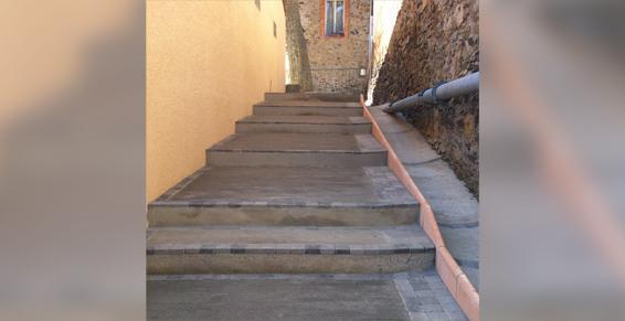 Cessenon-sur-Orb - Pavage, escalier