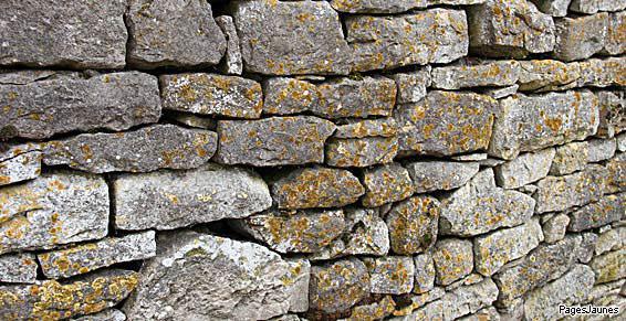 Joints de pierre à Romagné, près de Fougères