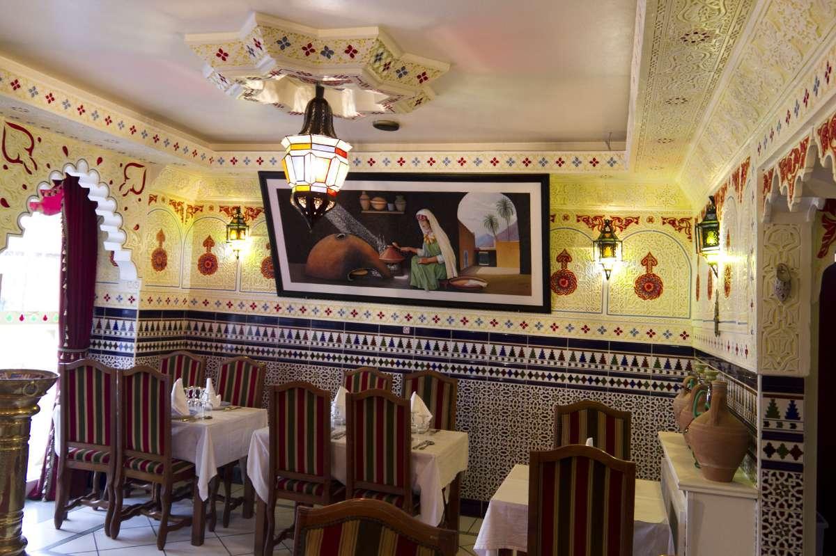 Espace confortable et cuisine rafinée La Tour du Maroc Villebon