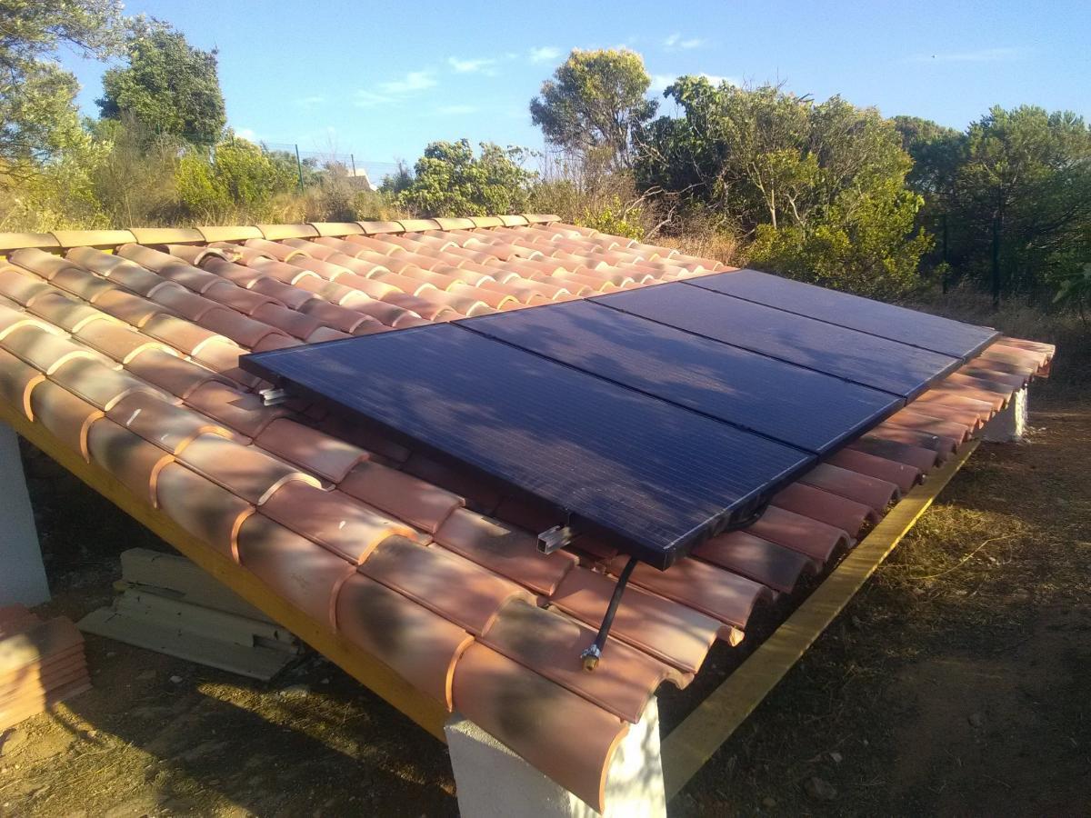 Toiture-école présentation de panneaux solaires
