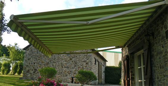 Pose de stores de terrasse à Saint Aubin du Cormier et Fougères
