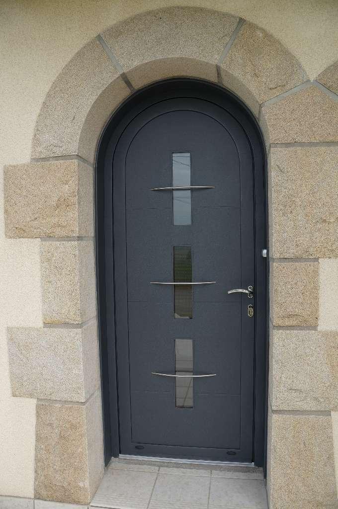 Pose de portes d'entrée à Vitré et Liffré