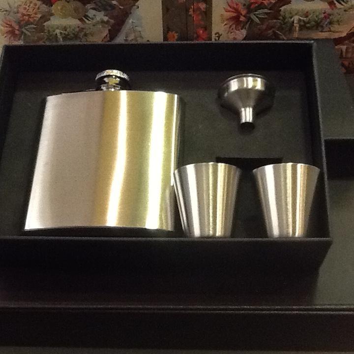 Coffret Flasque et 2 godets