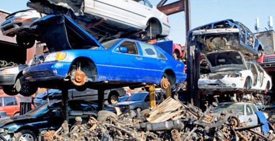 Casses automobiles - Voitures en pièces détachées