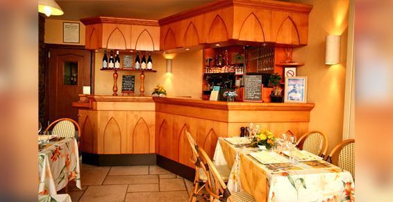 Les Chevaliers - Bar