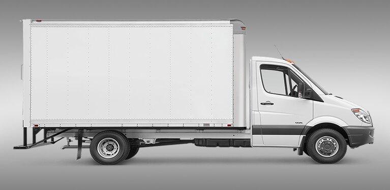 Location camion déménagement 2O m3 avec Hayon Briançon Embrun .JPG