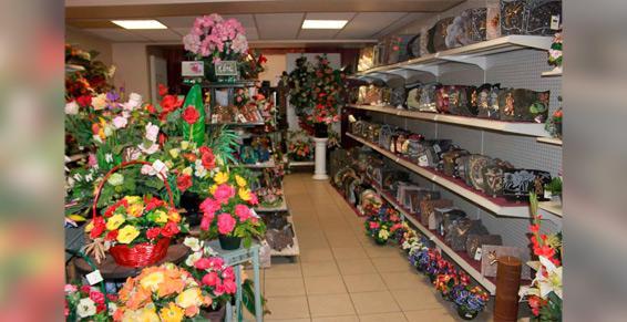 Atelier Fleuriste - Différentes compositions et articles funéraires