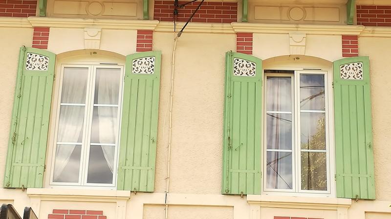 Pose de fenêtres en PVC blanc