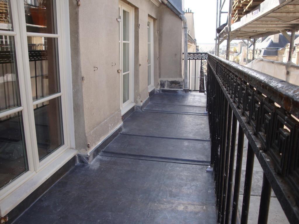 Balcon plomb rue du Cirque PARIS 8ème