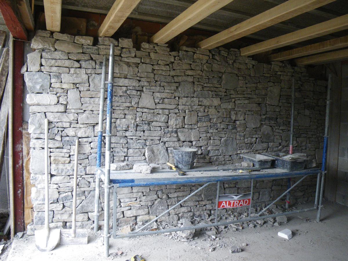 Mur intérieur en pierres séches