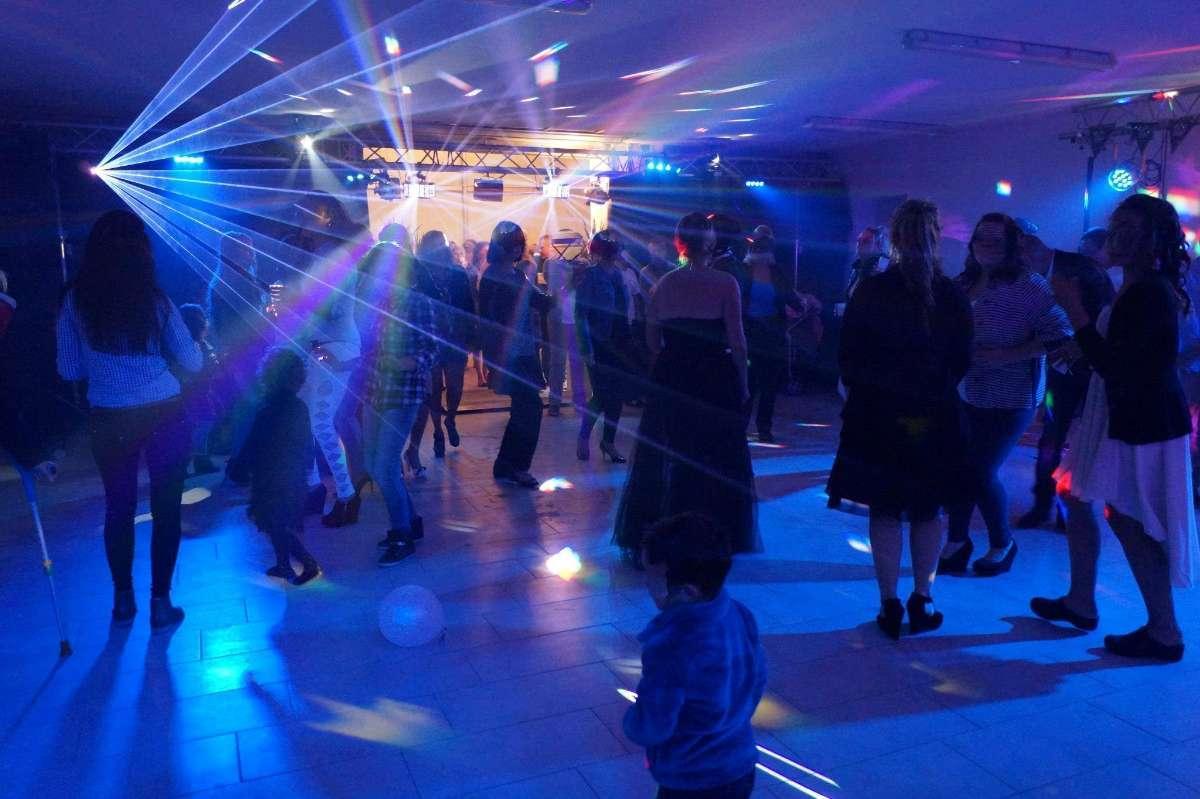 Pour des soirées réussies, faites appel à notre DJ à Mazé-Milon