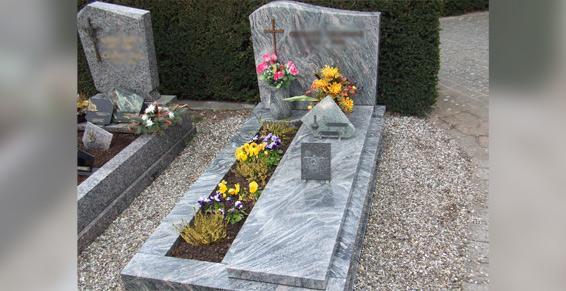 Monuments, articles funéraires, fabrication - Standard ou personnalisé