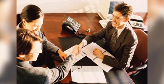 Formation continue - École banque finance de la relation avec client