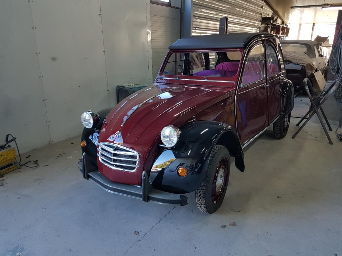 2CV Charleston en cours de finition