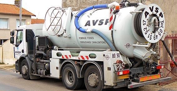 Pompage nettoyage de puits / désinfection de réservoirs d' eau potable