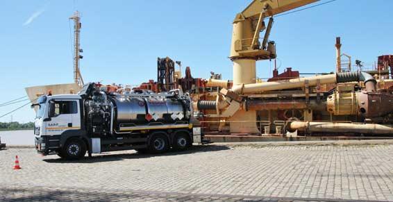 La vidange de déchets industriels à Bordeaux