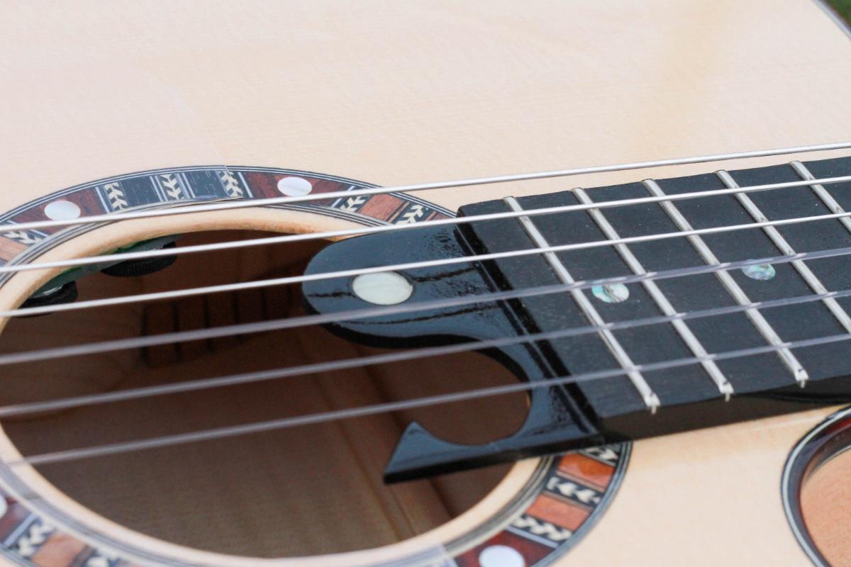 Guitare nylon GN2011159